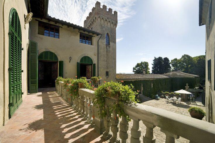Villa di Montelopio - Peccioli - Pisa  http://www.salogivillas.com/en/villa/villa-di-montelopio-22E8