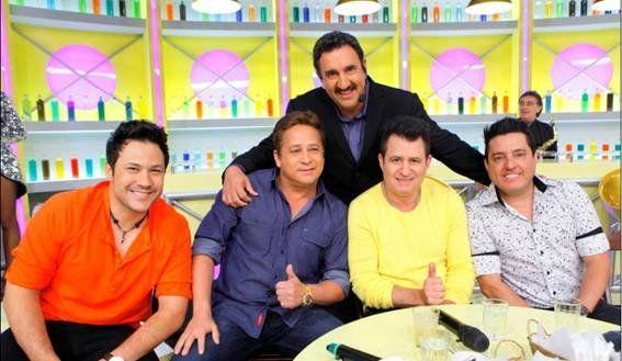 Ratinho festeja 15 anos nos SBT com amigos e mimos das filhas de Silvio Santos | jana_nunes - Yahoo! TV
