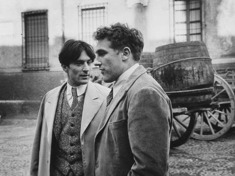 MFAH | Films | 1900