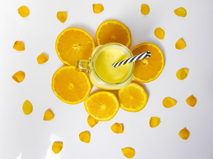 sonnig gelber Mango Bananen Smoothie mit Kokos | idatschka