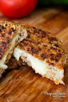 Hambúrguer de Couve-Flor Vegetariano {Receitas do Bem}, para os meus leitores vegetarianos ou para aqueles que querem diminuir o consumo de carne na refeição. Clique na foto para ver a receita no blog Manga com Pimenta.