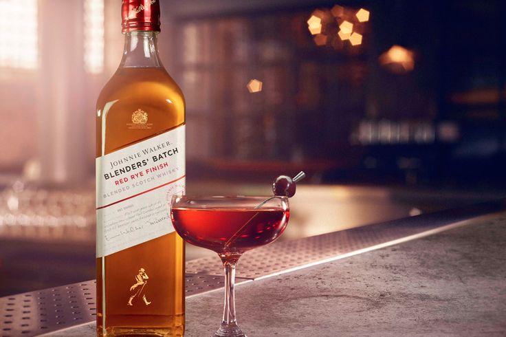 (Escoceses experimentales llegan a casa por Navidad)  Ya disponible: ** JOHNNIE WALKER RED RYE FINISH ** (Edición limitada):  -Blend de whiskies de malta y de grano (Cardhu, Port Dundas) -Envejecido en barriles de bourbon de primer llenado -Afinado en barricas de whisky de centeno