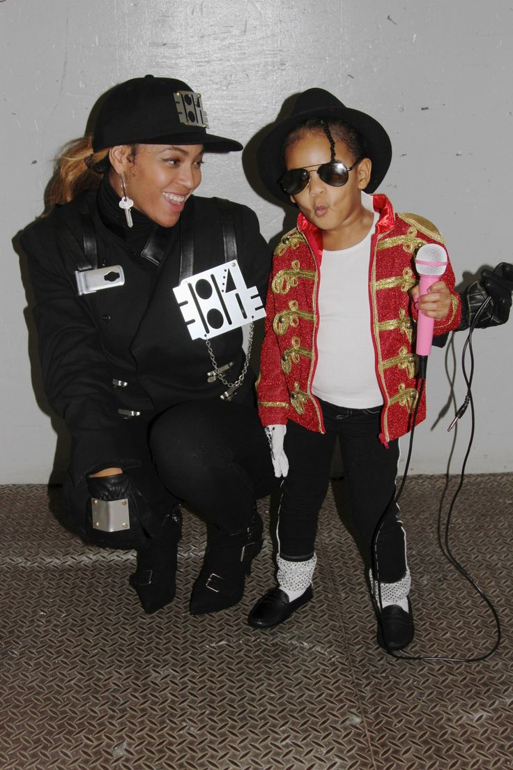 Beyoncé as Janet Jackson and Blue Ivy as Michael Jackson