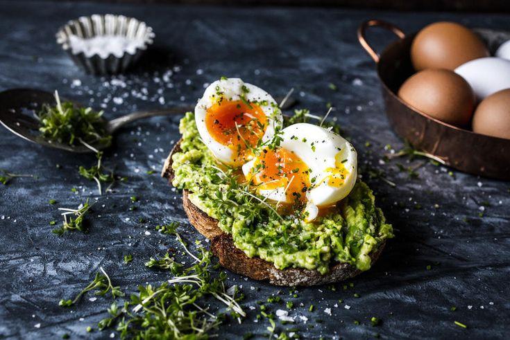 Toast med avokado og bløtkokt egg