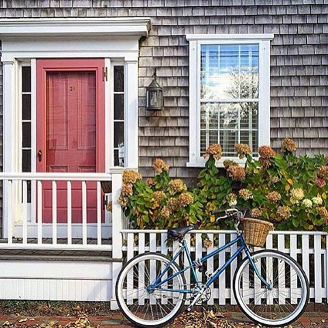 Nantucket red door