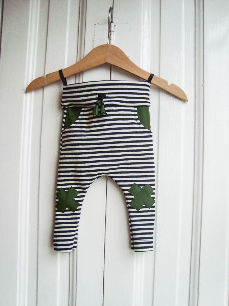 Kisfiú katonai nadrág, csikos-zöld / 0-3 hónapos, újszülött méret / csíkos, fekete, fehér, zöld, kereszt, x, Baba-mama-gyerek, Ruha, divat, cipő, Gyerekruha, Baba (0-1év), Meska