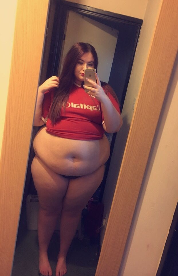That-Fatt-Girl I Look A Little Wider Now In The Football Top And Its A Lot Tighter -7654