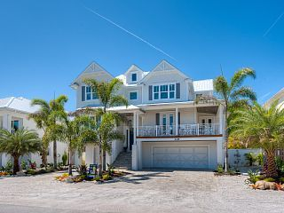 Serenity+Beach-New+luxury+on+canal,+private+heated+pool,+spa,+dock+&+fire+pit+++Vacation Rental in Anna Maria Island from @homeaway! #vacation #rental #travel #homeaway