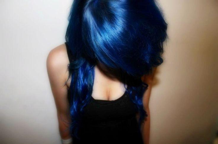 dark blue hair- love this color!