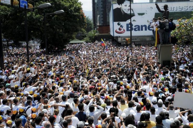 El Que se Casa Pierde !!!! #SOS VENEZUELA – Gigantic Crowds – New Amazing Images of Venezuelan Protest - See more at: http://reportavenezuela.info/el-que-se-casa-pierde-sos-venezuela-gigantic-crowds-new-amazing-images-venezuelan-protest/#sthash.GYs40mQF.dpuf