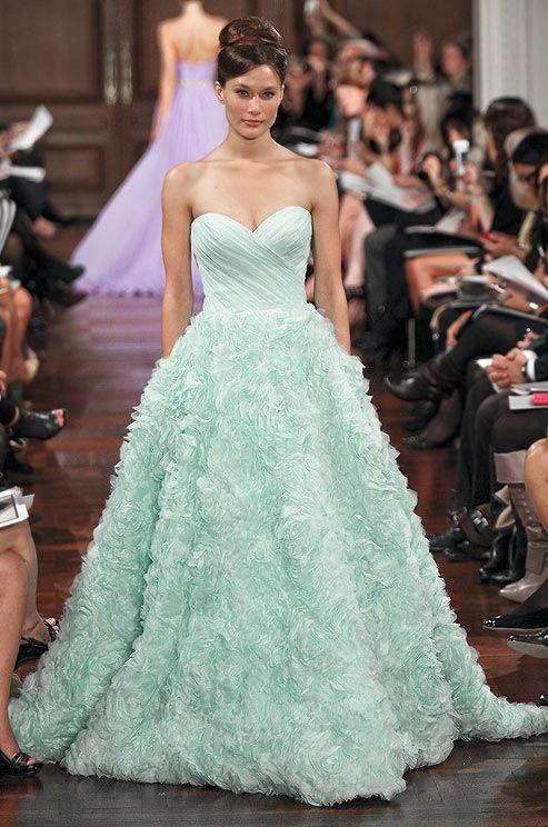 Romona Keveza Couture mint rose detailed gown / vert menthe - robe de mariée