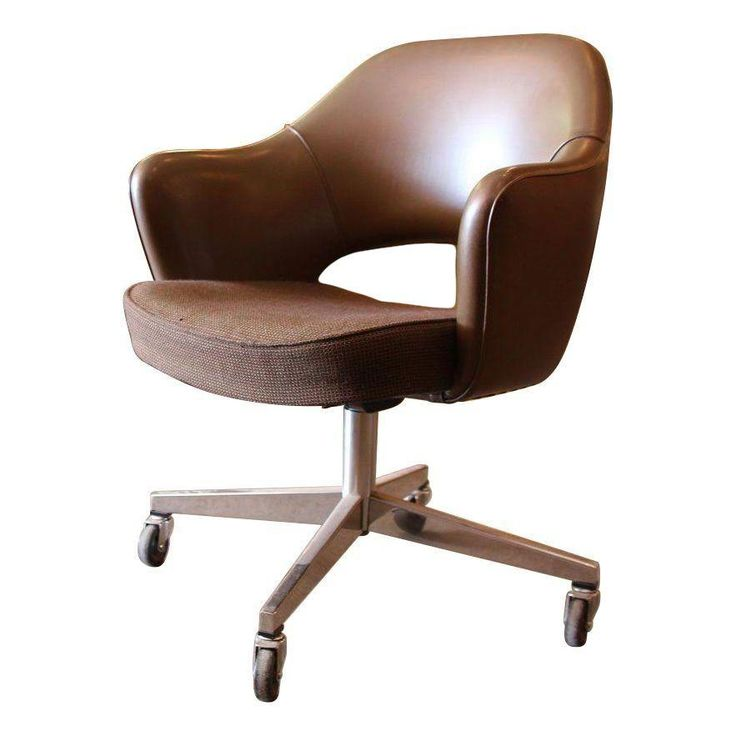 An Original Knoll Executive Arm Chair Designed By Eero