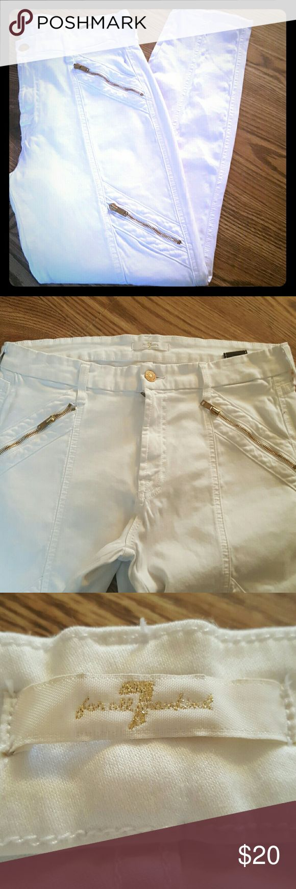 7 for all Mankind women skinny pants new never worn. white skinny stretch pants from 7 for all Mankind. gold zippers on pockets and pockets on thighs. 7 For All Mankind Pants Skinny