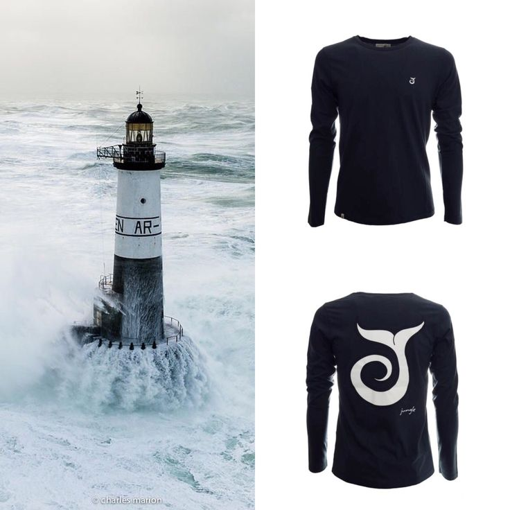 T-SHIRT A MANICHE LUNGHE Jack Blue Navy 50,00€ In cotone jersey 301 JUNGLE SURF MADE IN ITALY 100% COTTON