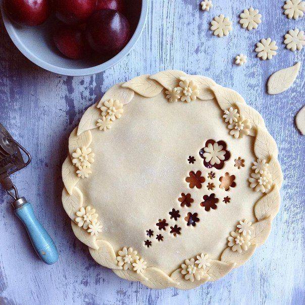 Openwork pie crust