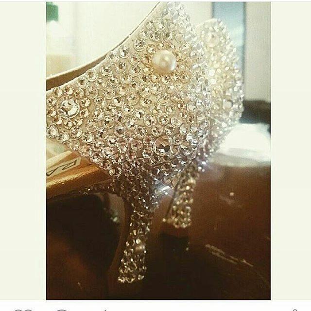 Bellissime scarpe😍 amo gli strass❤#unavitaperladanza #dancesportshoes #danceshoes #Swarovski #strass #shoes #latinshoes #ballroomshoes #decorazioni #instadance #atelier #scarpedaballo #swarovskielements #swarovskishoes #danza #ballo #articolidaballo #lukryfashion #marcoswan #dancesportshoes