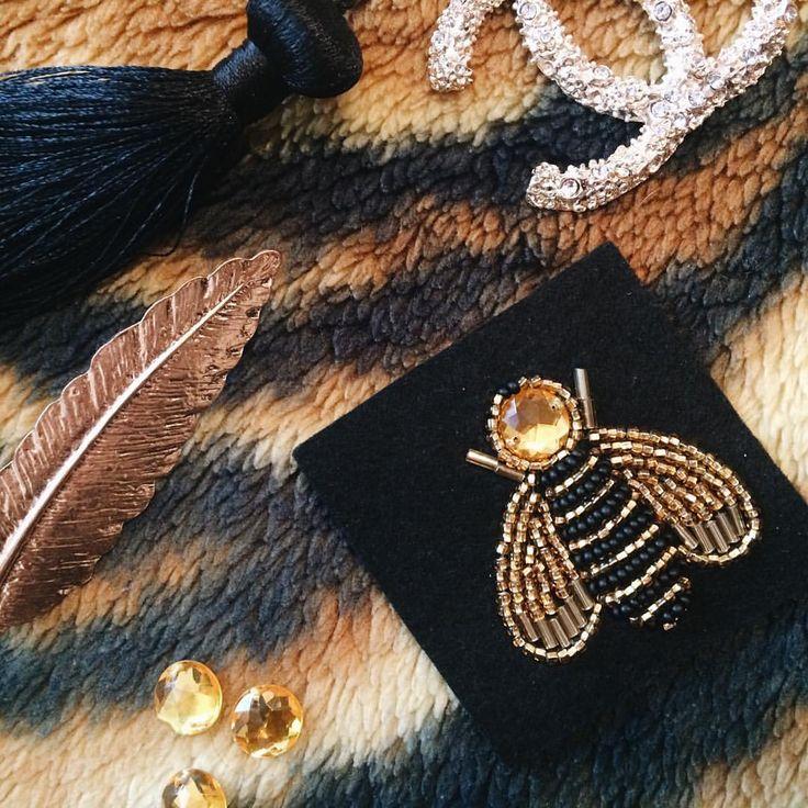 В голове столько планов и идей😱 Даже не представляю как это всё реализовать, но буду стараться💃🏻 #beaded #bead #embroidery #вышивка #бисером #брошь #из #бисера #ручная #работа #diy #handmade