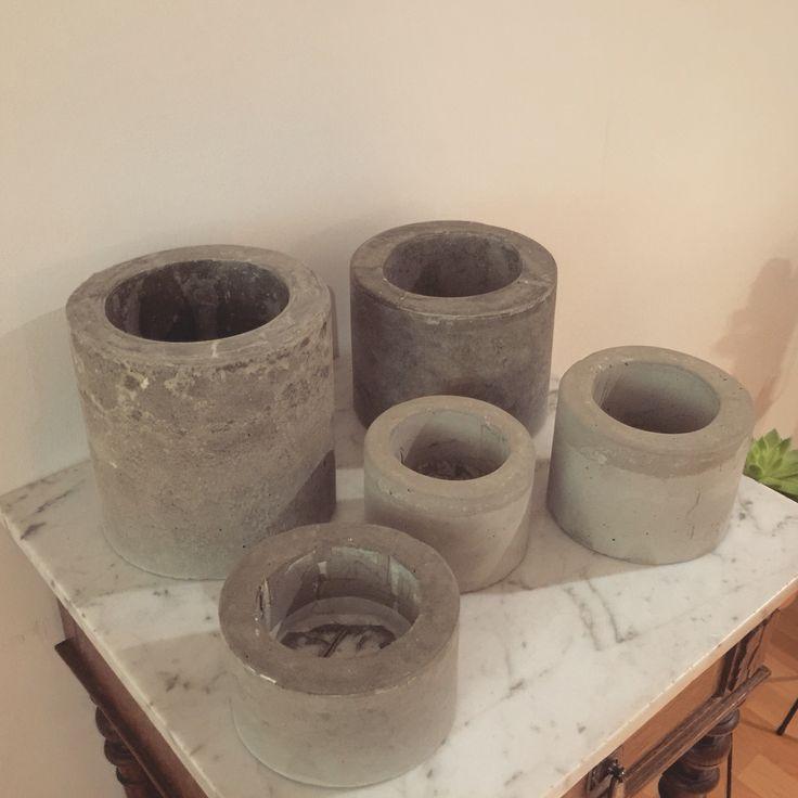 The result :) Concrete flower pots...