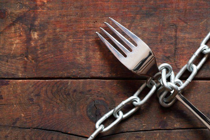 Entenda o que são os transtornos alimentares na adolescência
