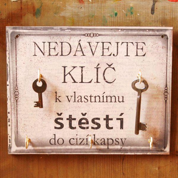 Nedávejte klíč.... Stylový věšák na klíče