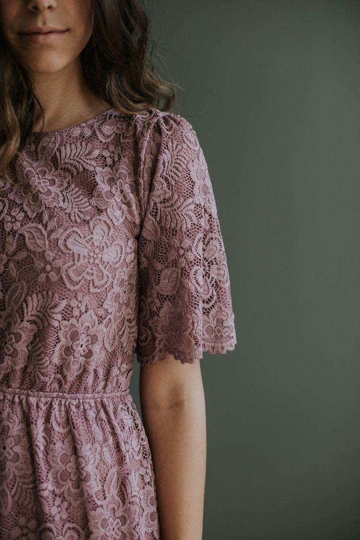 Forever Lace Midi in Plum