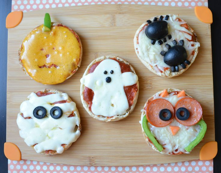 Easy Halloween Mini Pizzas
