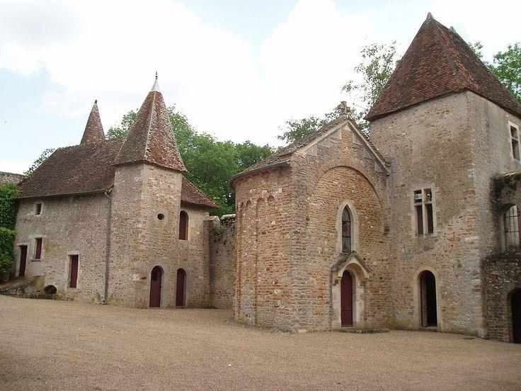 Château de la Chapelle de Bragny ~ Aquitaine ~ Midi-Pyrénées ~ France