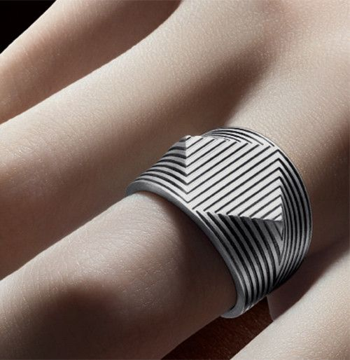 Details we like / Jewelery / Ring / Layered / Silver / Lines / Geometry / at leManoosh.com