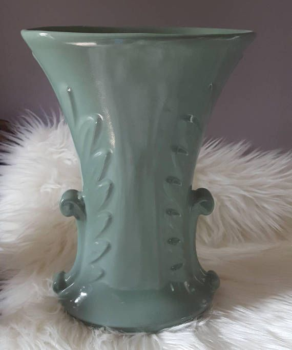 Check out this item in my Etsy shop https://www.etsy.com/ca/listing/551329403/abingdon-vase-sage-greenceladon