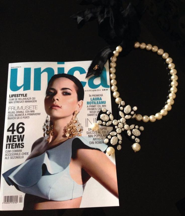 Pearls necklace. Cover magazine. Unica relaunch.  https://www.facebook.com/laura8official
