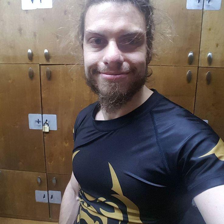 Fun times  #bjj #jiujitsu #mma #brazilianjiujitsu #oss #ufc #fitness #jiujitsulifestyle #nogi #gi #training #bjjlifestyle #martialarts #lifestyle #bluebelt #fighter #bjjlife #gym #bjj4life #trainhard #fit #fitfam #gymlife #yogi #mixedmartialarts #workout #jiujitsulife #grind