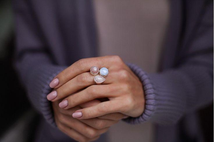 кольцо с морганитом, гелиолитом и голубым агатом // серебро