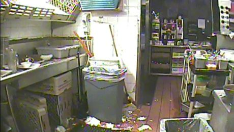 Food safety: 5 things to watch out for next time you dine out  A former health inspector shares his restaurant red flags:   http://www.cbc.ca/news/health/food-safety-5-things-to-watch-out-for-next-time-you-dine-out-1.2602677