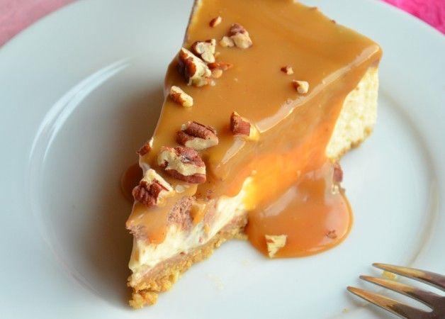 Karamell Schokolade Cheesecake mit Nüssen