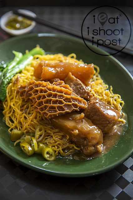 12 Stones Noodle House: 黎三元 Loy Sum Jung's famous invention: Har Cheong Gai | ieatishootipost