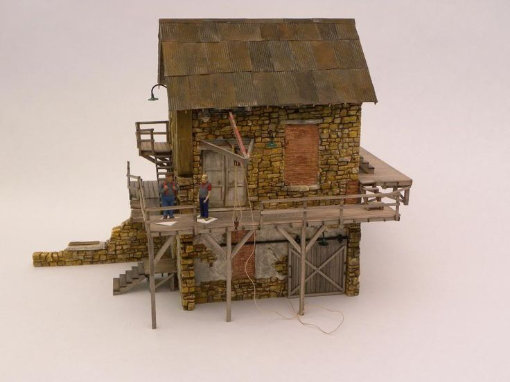 Build a model train : Snappy nails broomfield