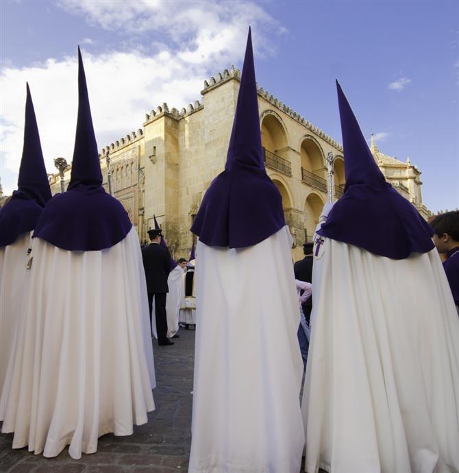 Sevilla - Semana Santa - Spanische #Ostern. Ferienwohnungen-Spanien.de hat die Unterkunft dazu.