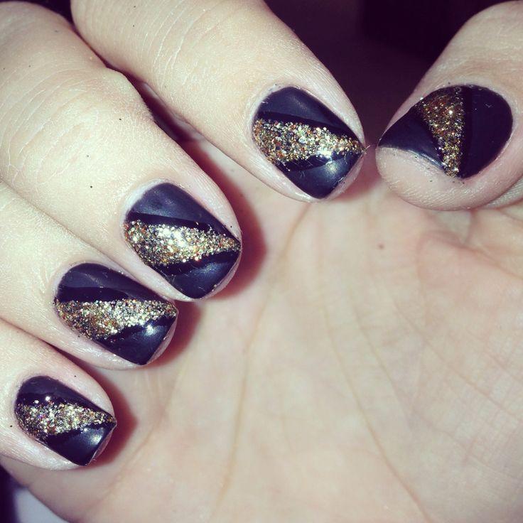 Nails !! With gel color, gold glitter design with matte black