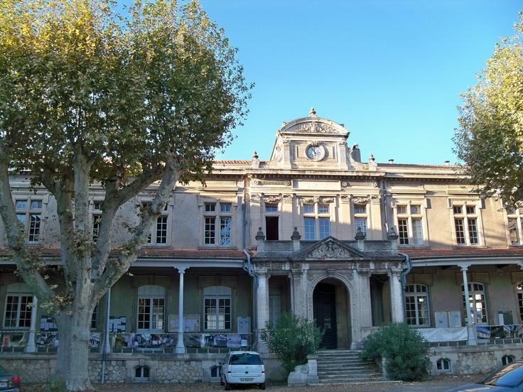Université d'Avignon et des Pays de Vaucluse.  www.univ-avignon.fr/