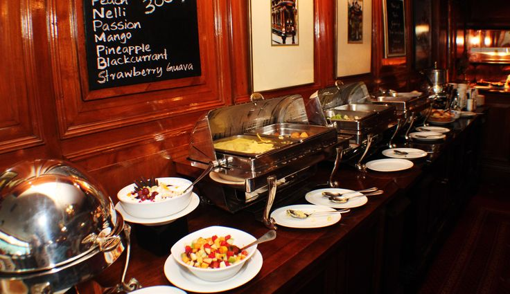 All lined up and waiting to be served. Sunday Carvery buffet at Cinnamon Grand Colombo's Cheers Pub