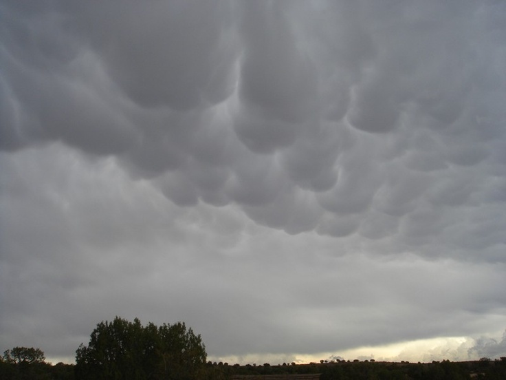 At Hovenweep, before the biggest storm I've ever enjoyed. Mammatus clouds