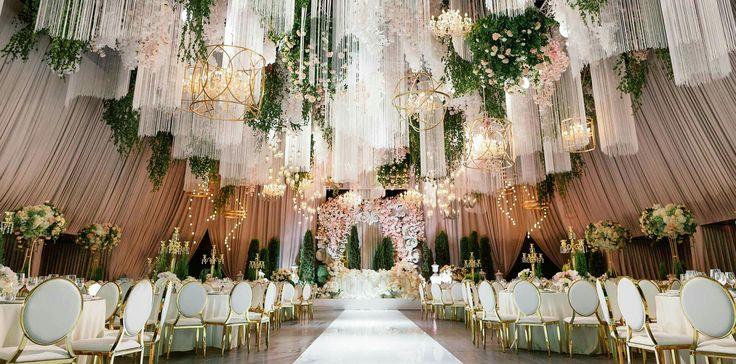 Gorgeous wedding saved from http://nevesta.moscow/Roskoshnaya-svadba-v-Barvikhe-ot-studii-dekora-LIDS-EVENTHOUSE/