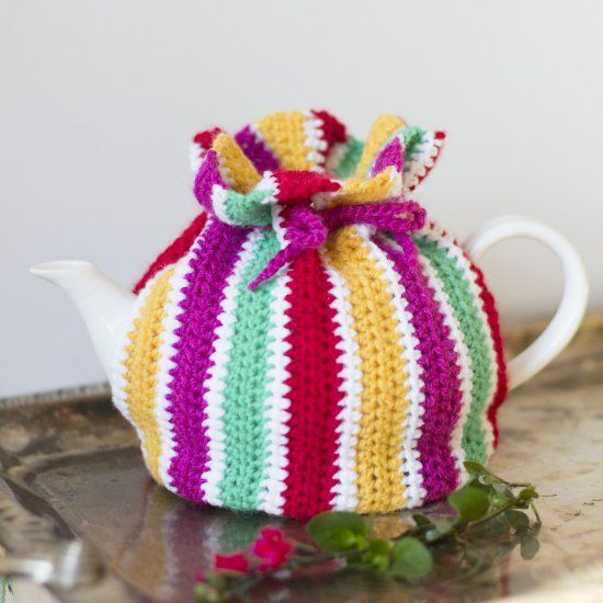 This fun and colorful tea-cosy is a quick and easy project, perfect for beginners or for stash-busting! thanks so for freebie xox