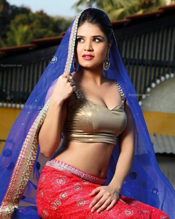 688 पसंती, 12 टिप्पण्या - Instagram वरील indian dressup shoutout page (@onlyindiandressup)
