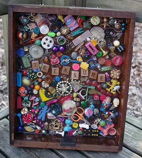 Treasure Scrabble Letter Folk Art - It looks like a page from an EyeSpy book! Making one!