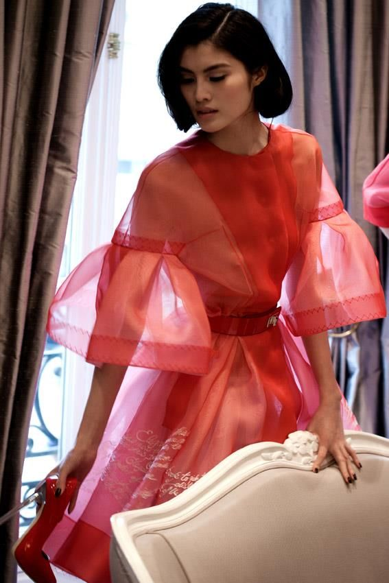 Sui He at Christian Dior haute couture s/s 2012 backstage
