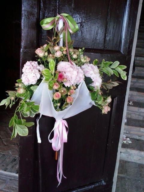 l'ombrello alla porta...gremito di fiori...
