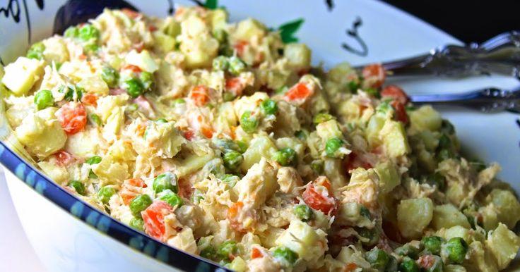 """Nunca fui de ensalada de gallina. Me gustaba la ensalada rusa, sí. Esa que lo españoles llaman """"ensaladilla"""" rusa. Pero nunca fui a..."""