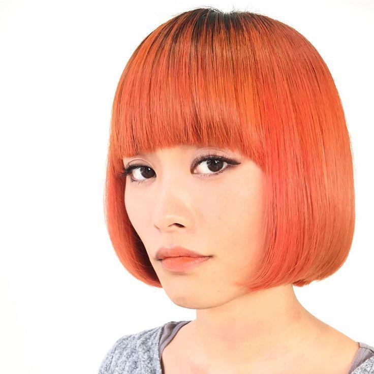 来年3月発売のシュワルツコフ #colorworx #カラーワークス を先行して使っています✨ 今日はオレンジカラーにしたいってことで、ワンブリーチ後に #coral と #orange のミックスで♪ アルカリカラーのオンカラーに比べて質感が柔らかく、ソフトなツヤ感が特徴です✨ ダメージケアしながら染めるので、傷んだ髪には最適♪ さて、今夜はラジオの公開収録ですよ〜‼️ 22時半スタート予定です✨ Don't miss it!!!! #ファイバープレックス #ファイバープレックスブリーチ #塩基性染料 #トリートメントカラー #オレンジカラー #元気出る #model #モデル #フォトモデル #撮影モデル @creative_club.jp #hair #hairstyle #hairart #hairmajic #ラヂオきしわだ #クリエイティ部 #art #photo #photoshoot #haircolor #fibreplex #schwarzkopf #schwarzkopfjapan @schwarzkopfjapan @snipstyle_mg @h...