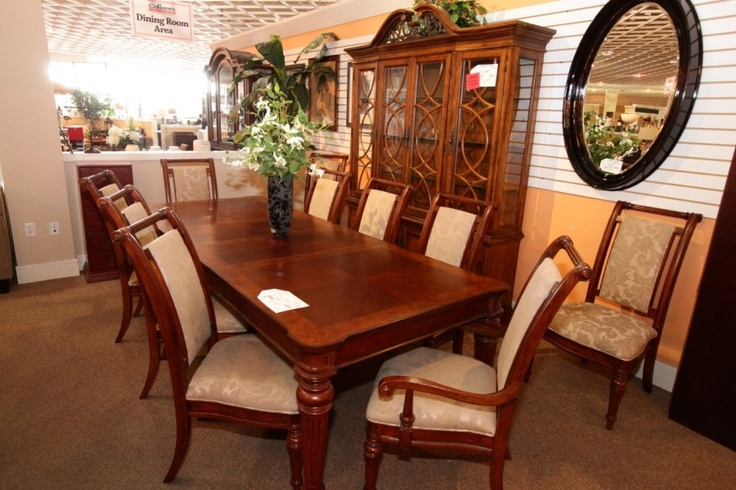 dining table w 8 chairs hutch colleen 39 s classic consignment las vegas nv www. Black Bedroom Furniture Sets. Home Design Ideas